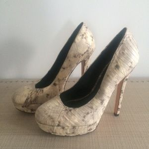 House of Harlow leather heels - Never worn - 8